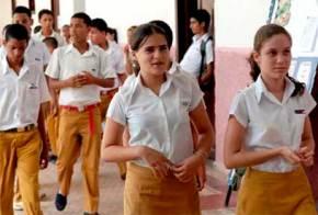 adolescentes cubanos