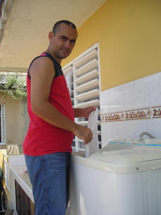 Ernestico cumple un año | La Joven Cuba