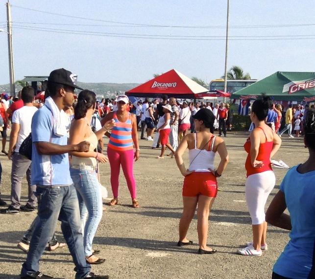 cubanas de fiesta trabajadores